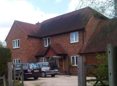 A211 York Handmade Brick 65mm Old Clamp Red Roofs W Horsley, Surrey
