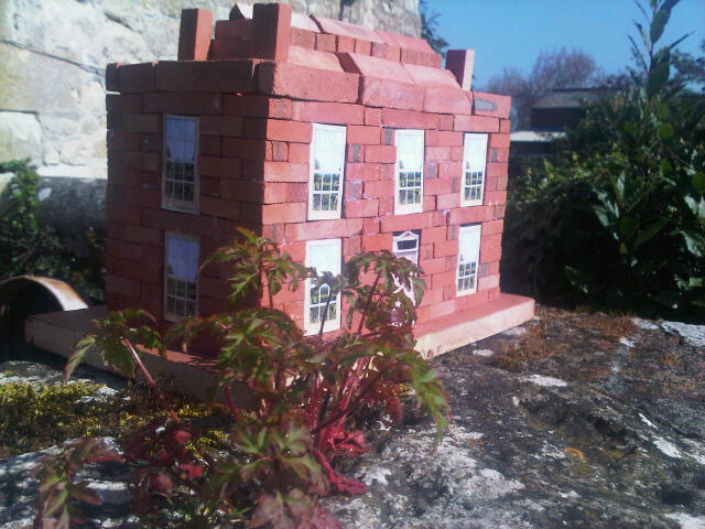 Large Georgian House Clay Clay Brick Building Kit. Roof structure varies to actual, see pic below right