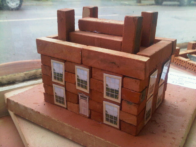 Small Georgian House Clay Clay Brick building kit. Including some Isle of Wight made miniature clay brick. 36*16*11mm.