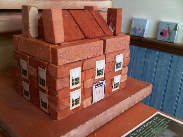 Miniature clay clay brick building kits for Brick kit homes