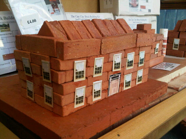 Medium Georgian House. Clay Clay Miniature Brick Building Kit