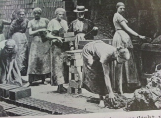 Brickmaking 1902 in Worcestershire